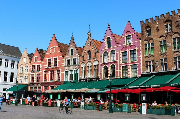 I fell in love with the city of bruges 😍 Such a gorgeous old city 😊 Architecture City Old Town Façade Belgium Sightseeing Travel Brüggesehenundsterben Summer Picsartrefugees Brugge Bruges City Life