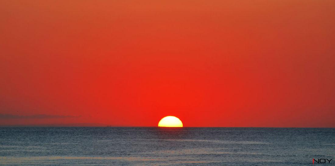 Sunset di tanah Anarki Bali Beach Beachphotography Beatiful EyeEm EyeEm Best Shots EyeEm Nature Lover Holiday Horizon Over Water INDONESIA Inoy Kute Nikon Nikon D5100  Nikonphotography Silhouette Sunset Sunset_collection