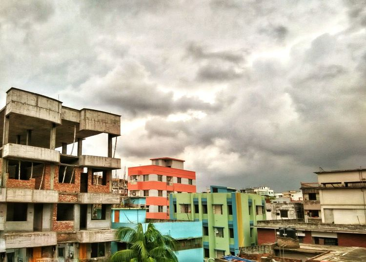 Relaxing From The Rooftop Clouds And Sky Urban Landscape Storm Clouds Rainy Days Monsoon