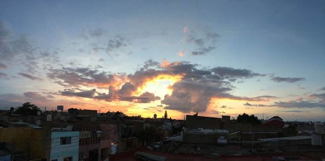 02/Sep/2016 Cheering GDL👌 Sky Sunset
