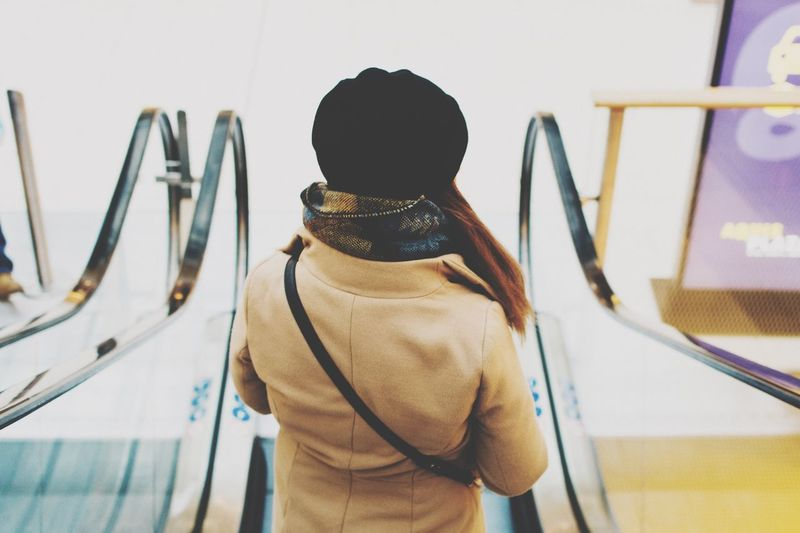 😎 Standing Waist Up One Person Real People Lifestyles Rear View Indoors  Women Men Day EyeEm EyeEm Best Shots Eye4photography  EyeEm Gallery Week On Eyeem The Week On Eyem The Week Of Eyeem Showcase November Vscocam Check This Out Hello World Portrait Portrait Of A Woman VSCO City
