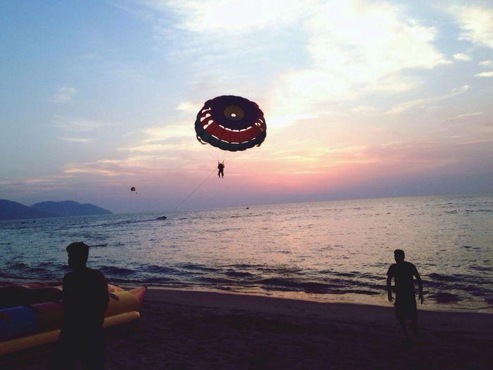 parasailing Relaxing