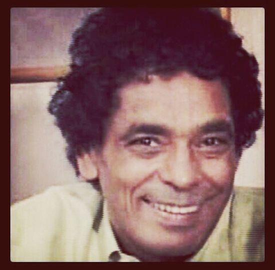 Mohamed Mounir الضحكة تهون أى جراح