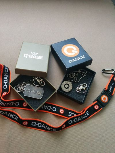 Accessories Blackbox Box Collection Communication Currency Indoors  KeyHolder Love This  Merchandise Music No People Paper Paper Currency Qbase QDance Text Q Dance Lieblingsteil Modern Workplace Culture