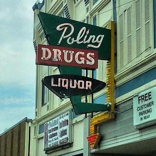 Vintage Signs Liquor Drugs Neon Drug Nebraska Beatrice Funnyzx Streetalma Signswitharrows Vintagesigns Savethesigns Retrosign