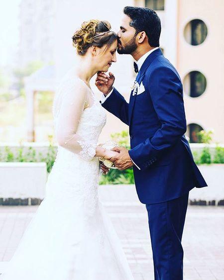 Jbclickz Coupleportrait Weddingphotography Weddingphotographer Welldressedgroom Bride Happycouple Candidmoments Fotomartin_mumbai
