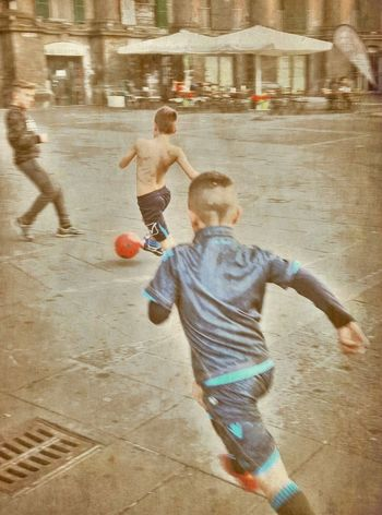 Football, street, piazzadante, napoli, children, scugnizzi, calcio, decembee, photostreet Enjoying Life, Streetphotography, Streetart, Football, Calcioitaliano