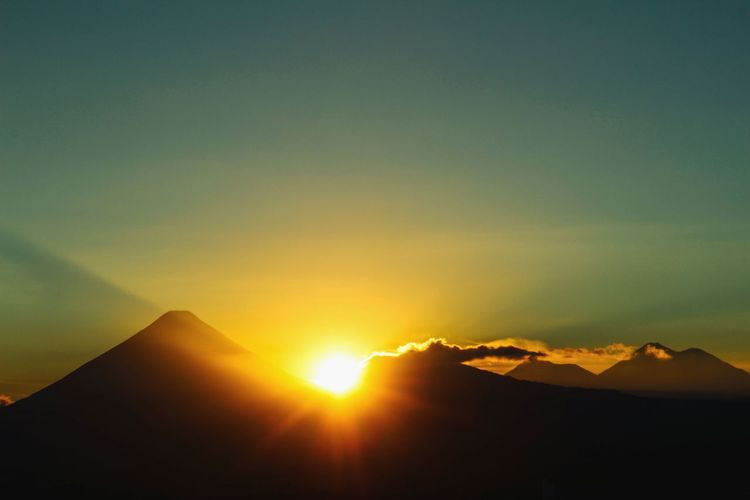 The sun goes down another day on the way. Sunset Sky Landscape Mountain Beauty In Nature Power In Nature No People Nature Day