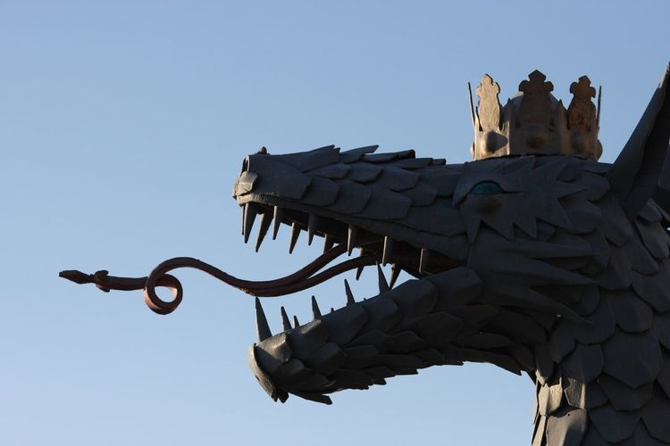 Dragon Sculpture EyeEm Selects Kazan Sculpture Sky Nature Clear Sky Art And Craft No People Day Architecture Craft Animal Representation Religion Animal Themes Outdoors Representation Low Angle View History Travel Destinations Statue Animal The Past
