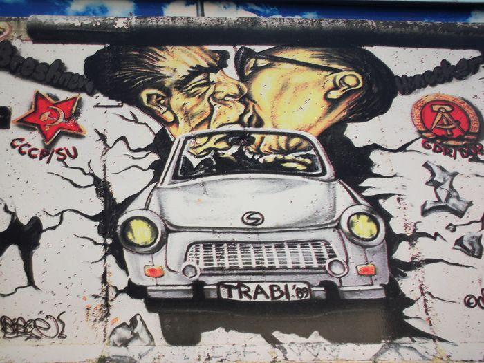 Berlin Berlin Divided Berlin Wall Graffiti Communist Art Germany Graffiti Art Travel Destinations Wall - Building Feature