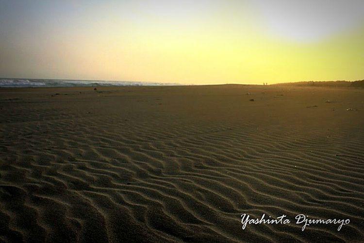 Parang kusumo beach At The Beach Hanging Out Enjoying Life Bingkai Visitjogja Visitindonesia Yd  That's Me