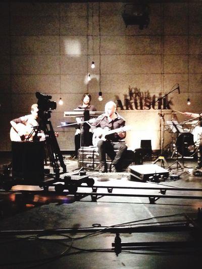 JoyTurk Akustik Istanbul Turkey CameraMan Enjoying Life Acoustic