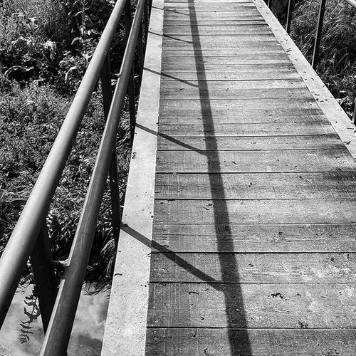 Blackandwhite Pretoebranco Textures Texturas RandomStuff Monochrome Monochromatic Monocromatico Bridge Ponte Pontepedonal Myview Shadow Shadows Sombra Sombras Igersportugal Picoftheday Photooftheday Instagram Portugaldenorteasul Woodbridge