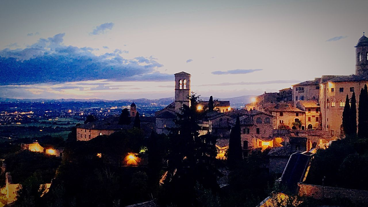 Travel Photography Photowalk See What I See Assisi Assisi, Italy Traveling Look At The Sky Clouds And Sky Travelphotography Clouds Photography Photo Photos Beautiful View Italy Beautiful World Sky And City Enjoying Life Travel Travelling Sunset In Assisi Sunset Beautiful Day Point Of View Pointofview