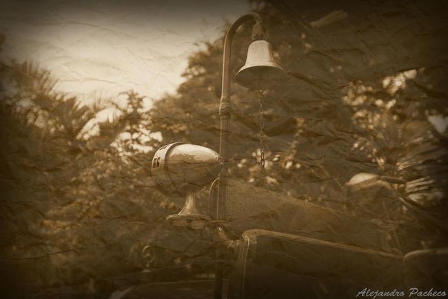 Campana de salvación Taking Photos Check This Out Hello World Relaxing On The Road Openingday Bomberovoluntario EyeEm Bomberosdelperu FreelanceLife Urban Sports Freelance Life Firsteyeempicture Peruano Takingphotos Oldpicture First Eyeem Photo Opening Day Black And White Truckerlife Relaxing That's Me