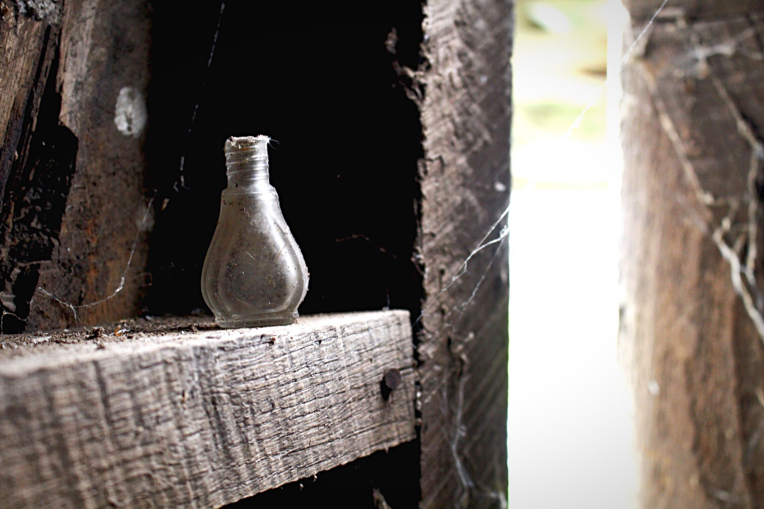 close-up, old, focus on foreground, metal, wood - material, hanging, wall - building feature, built structure, day, no people, old-fashioned, outdoors, selective focus, still life, abandoned, wall, rusty, damaged, architecture, weathered