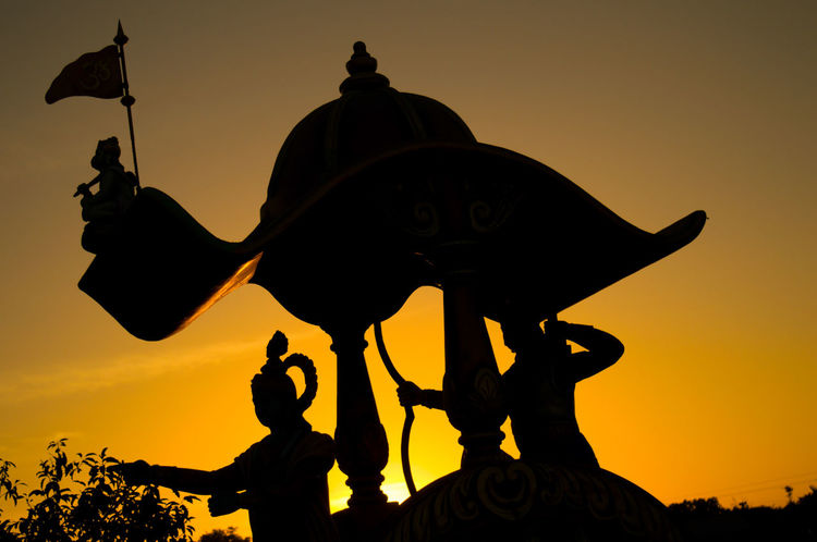 43 Golden Moments Krishna Mahabharat Arjuna Spiritual #faith #faithful #tagsforlikes #god #grace #pray #prayers #praying #amen #believe #religion #coexist #spirituality #trust #peace #calm #mind #soul #hope #destiny #wisdom #compassion #forgiveness #thankful #knowledge #meditation #life #meditate Travel Photography Sunset Silhouettes Sillouettes Vibrantlife