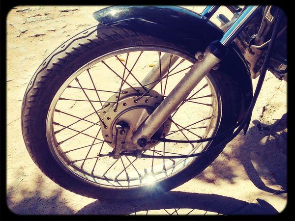 Moto L.H