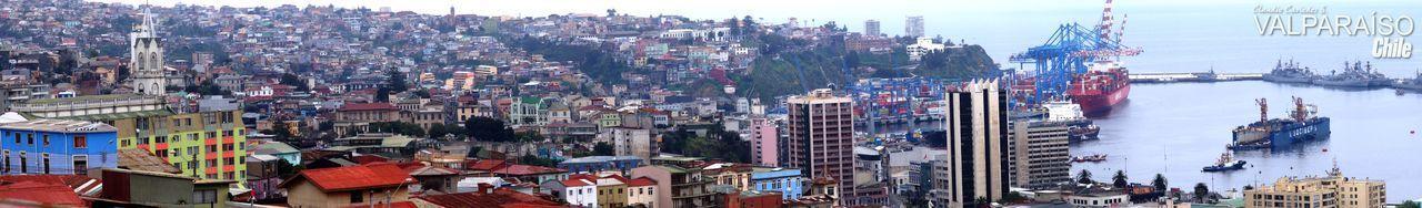 Panorámica de cerró y puerto de Valparaíso, Chile. Architecture City Cityscape Panoramic Residential Building Panorámica Ciudad Puerto