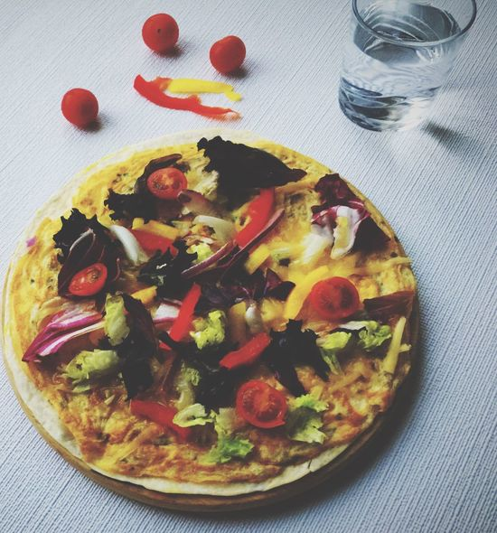 Tortilla Omelette Pizza Homemade Delish Snack Time! Light Meal Delicious ♡ Yummy♡ Food And Drink Foodphotography Food Snacking Recipes Easy Snacktime Tortillas Tortilla Lover Omelet Veggies Eating Healthy Eating Ready-to-eat Snacks! Healthy Food