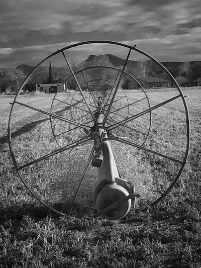 Waterwheel Pivot Irrigation Circle Irrigation Wheel Sprinkler Growing Hay Farming