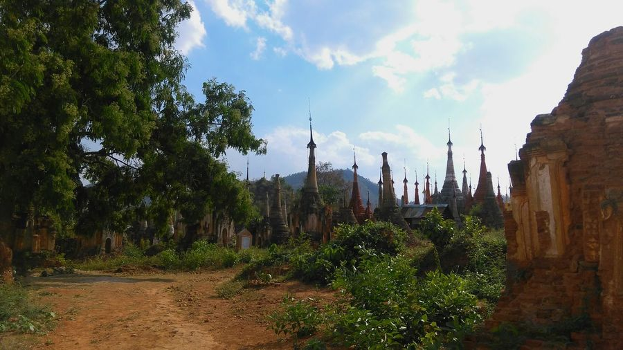 Travel Destinations Cloud - Sky Landscape No People Myanmar Myanmararchitecture Travelphotography Stupas Burmesearchitecture Travelaroundtheworld Ancient Architecture History Spiritual Place