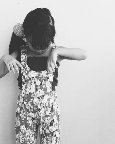 Girls Child Bnw Photography Bnw_collection Black And White Black And White Photography Photography EyeEm Best Shots Eyeem Photography Portrait Portrait Photography Children Photography Children's Portraits Child Photography Portraiture Portraits Of EyeEm Candid Photography Candidshot Candid Portraits