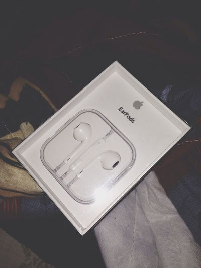Blac&white  Without them iPhone's life is incomplete,I missed having ones.❤️ Follow Me Earpods Apple