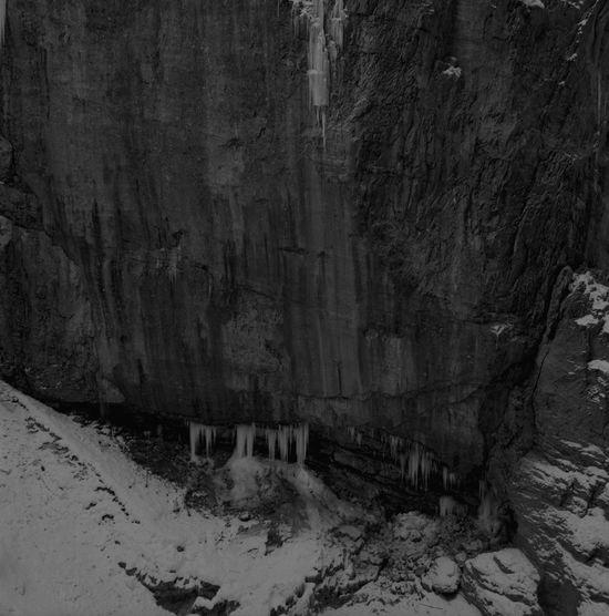 Black & White Eiszapfen Klamm Alpenwelt Felsenlandschaft Kälte Natrual Beauty  Wasser