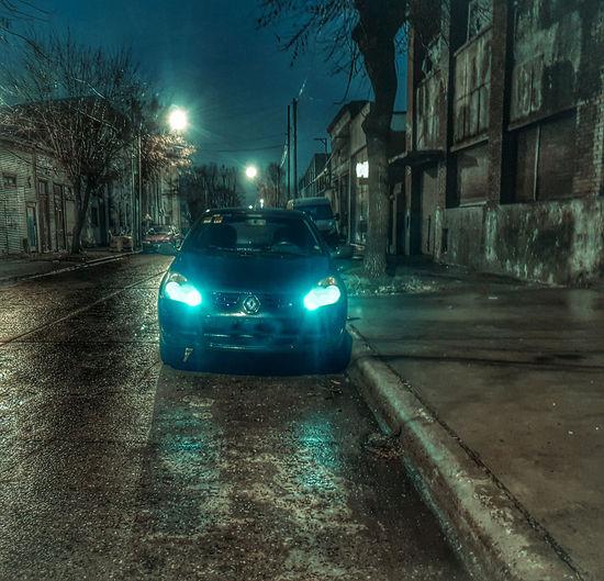 enano #renault #clio Night Urbanphotography Argentina Photography Fotografia Noche City Illuminated Car Road Street Street Light Headlight Vehicle Light Traffic Tail Light Traffic Jam