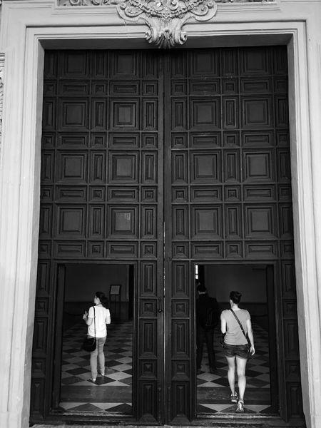 Please Come In Alcazar Garden Sevilla Door Architecture_collection Architectural Detail The Tourist