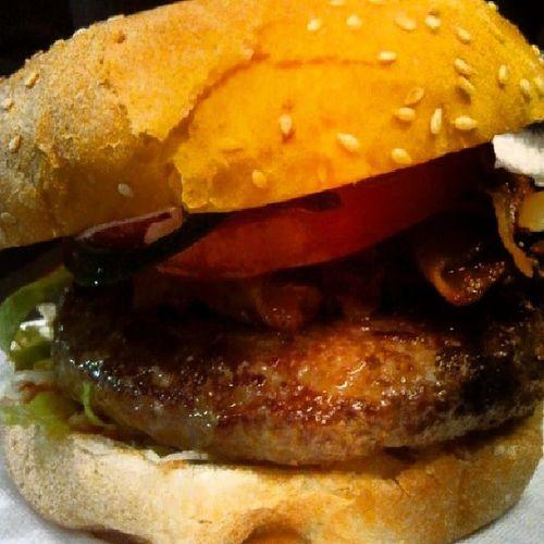 Mamaburger Hamburger Thebest Dinner Milano duomo instafood ilmigliorhamburger