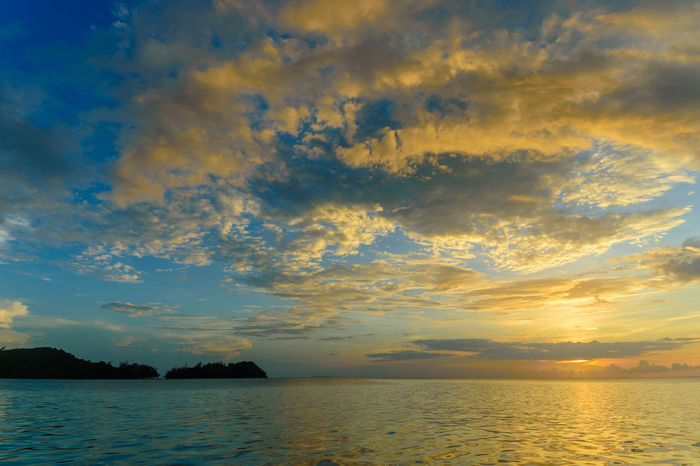 Michael's Rock Guanaja Honduras Travel Travel Photography Beauty In Nature Landscape_photography Scenics Sunset Tranquility Waterfront