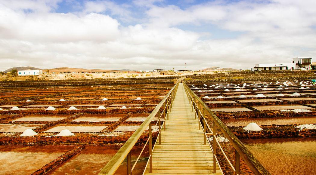 Cloud - Sky Diminishing Perspective Fuerteventura Las Salinas Museo De La Sal Puerto Del Carmen Sky Straight The Way Forward Vanishing Point