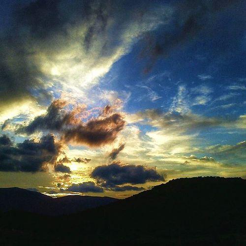 Ι was invited by my dearest and beloved friend @evelin.emmanouil to Myskyart challenge !!! I need to post 5 sky shots for 5 days !!!Iloveellada Grecia Greecetravelgr greece sky_love sky_vibrance skyporn skyddictionskyline skystalking sky_specialist sky_captures sky_painters sky_perfectionskystylesgf skysthelimitcloudsession bd_sky travel_greece