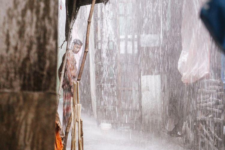 Urban Photography Market Urban City Man Colorful Rainy Streetphotography Vscocam VSCO Street Rain ASIA Incredible India India