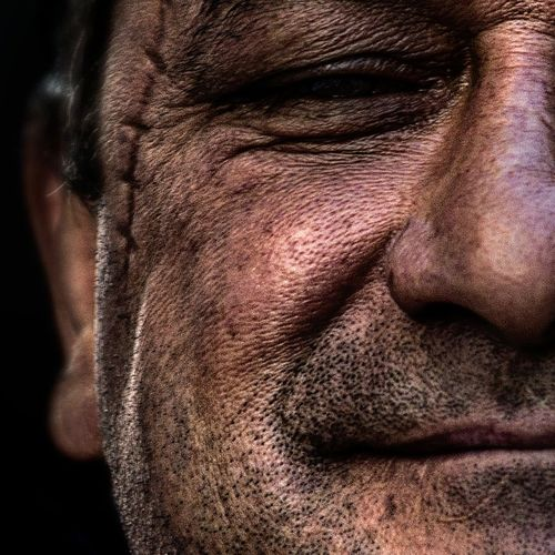 Anonymous portrait... Human Skin Men One Man Only Human Body Part Mature Adult Exhibition Center Streetphotography People Touching Real People Human Representation Arts Culture And Entertainment Beauty Portrait RePicture Ageing One Person Street Portrait Contemplation Exhibition Exhibit Art Photographic Photograph Photographer Gallery Visitor Watchers Watch See Look Looking Private Public Blurred Blur Out Of Focus Photography Documentary Reportage Street The Human Condition Adults Only Human Lips Wrinkled Adult EyeEm Best Shots