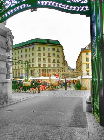 Good morning from Wien! It could be a place like 1935 but it's now! Vienna Austria Every time a good place for your holidays! Architecture and Streetphotography ! ?