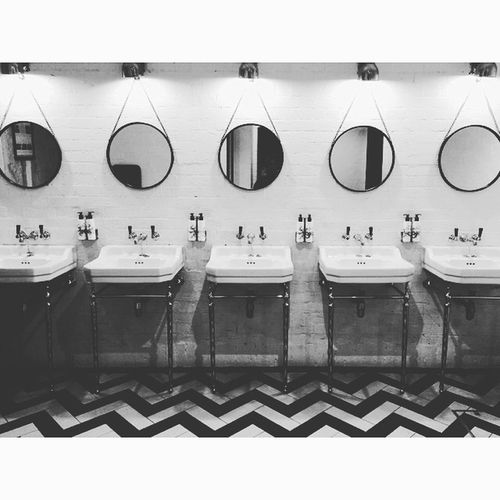 Bathroom geómetra geometry Check This Out Black And White Interior Design Hotel