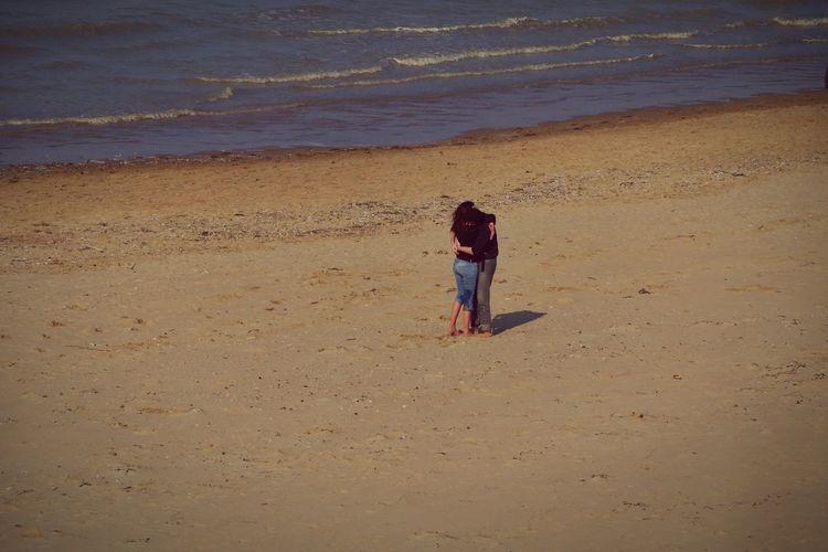 Q Quintessenz Beachcouple AloneInTheWorld
