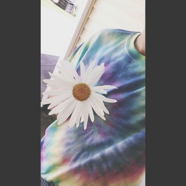 ? Hanging Out Hipster Flowers Tie Dye