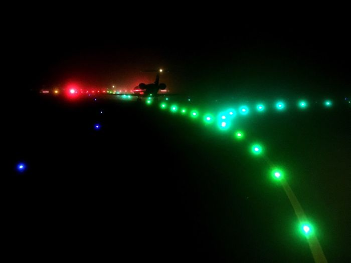 Holding point in the fog Night Fog Illuminated Airport Airplane Crj1000 CRJ700 Hop Tarmac Lys