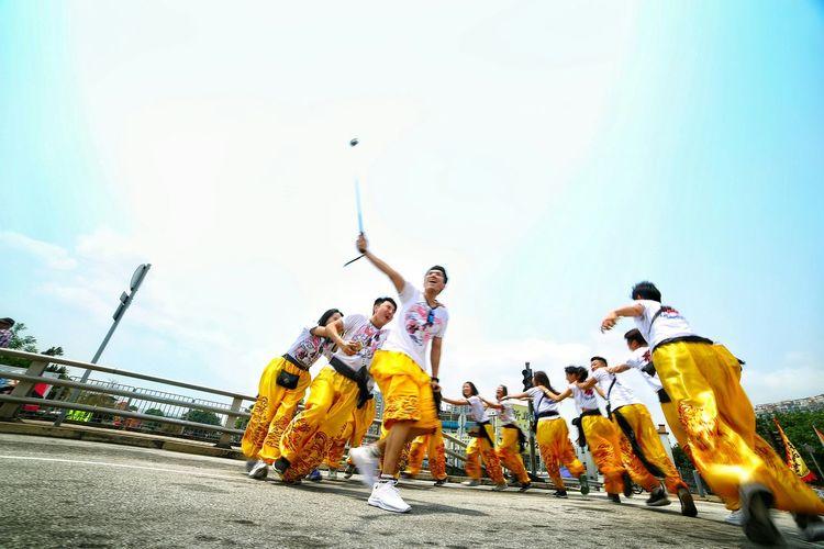 打龍餅 - 氹氹轉 菊花園 Dragon Dance Parade Relaxing Joy And Laughter Enjoying Life Things I Like Showcase April Relaxing Taking Photos Hello World EyeEm Gallery EyeEm Masterclass Yuen Long Hong Kong