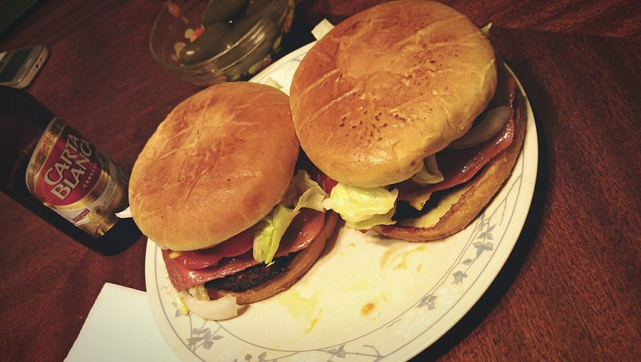 Hamburguers love.. Hamburger Food Foodporn CartaBlanca