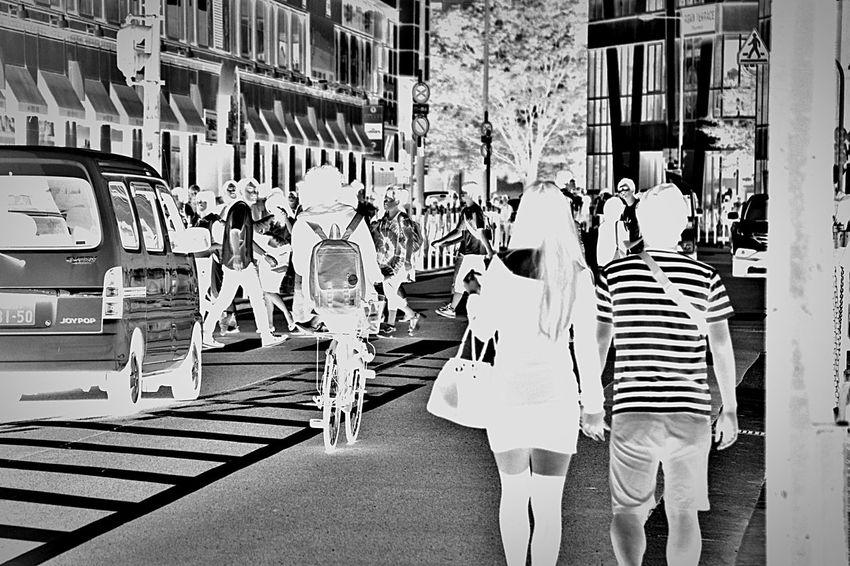 The world of reverse Street EyeEm Best Shots EyeEm Monochrome Blackandwhite Photographer Young Photographer Street Photographer Nikon Photographer