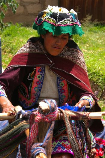 Perú ❤ Pisac Perú Color Photography Working Hard Woman Who Inspire You Woman Power Check This Out Best Of EyeEm Andes Mountains Colorful