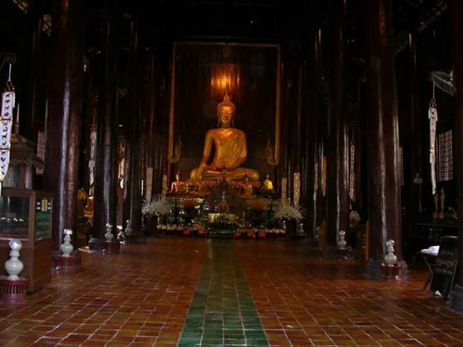 Temple Hello World Hi! On Tour Thai Lanna Building