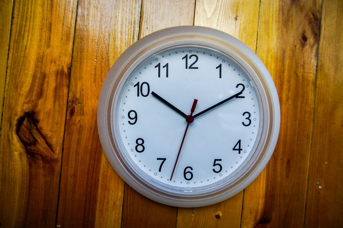 Alarm Clock Clock Clock Face Close-up Day Home Interior Hour Hand Indoors  Minute Hand No People Number Old-fashioned Time Wood - Material Wood Paneling