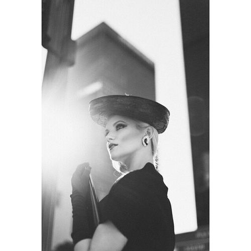 @kara_rashae Mua Hair @shortstacked83 Woman Portrait Portraiture Blackandwhite Monochrome Interesting Inspiration Vintage Classic Fashion Style City Urban Building Gloves