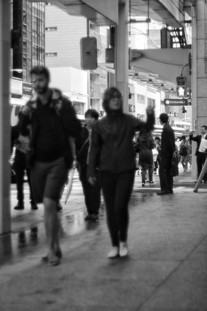 Black And White Streetsnap Streetphoto_bw Streetphotography City Men Women Full Length Walking Blurred Motion Commuter City Life Urgency Rush Hour